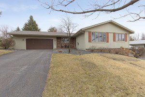 12805Appleview